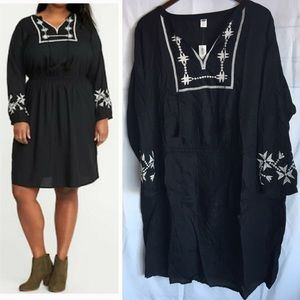 NWT Old Navy dress 2X embroidered black white